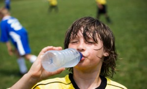 Keep your kids hydrated before, during and after outdoor activities